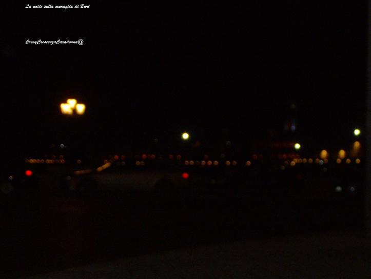 La notte sulla Muraglia di Bari Di Cresy@